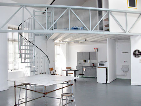 La Box Curatorial Project and Residencies